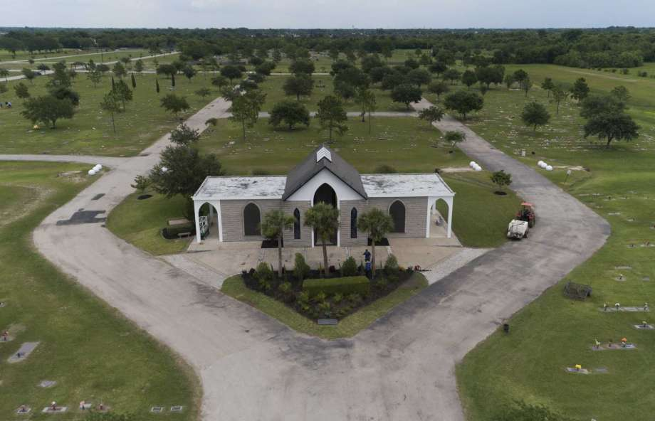 The mausoleum George Floyd's body will be taken to on Tuesday is seen at Houston Memorial Gardens, Monday, June 8, 2020, in Pearland. Photo: Jason Fochtman, Staff Photographer / 2020 © Houston Chronicle